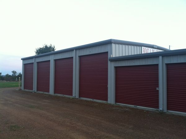 650 Carl Perkins Parkway Tiptonville, TN 38079 - Drive-up Units